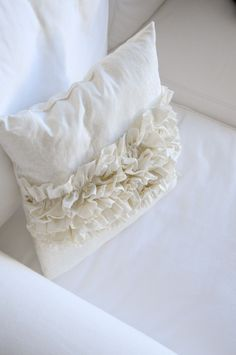 Ruffled Pillow Tutorial