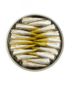 Hand picked sardinillas from Galicia made by Real Conservera Espanola and available at: https://spanish.nl/product/conservas/sardinillas-en-aceite-de-oliva-muy-pequenas-small-sardines-in-olive-oil/