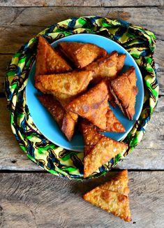 Cheesy Guinness Beef Samosas Armenian Recipes, Irish Recipes, Indian Food Recipes, Armenian Food, Ethnic Recipes, Kenyan Recipes, Mandazi Recipe, Samosa Recipe, A Food
