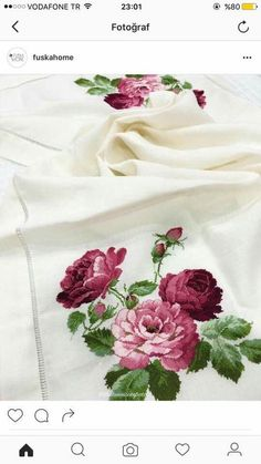 This Pin was discovered by HAN Cross Stitch Rose, Cross Stitch Flowers, Cross Stitch Charts, Cross Stitch Designs, Cross Stitch Patterns, Diy Crafts Hacks, Diy And Crafts, Cross Stitching, Cross Stitch Embroidery