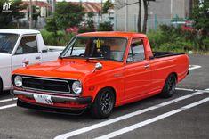 Red Datsun Sunny pick up on RS Watanabe Mini Trucks, Old Trucks, Classic Japanese Cars, Classic Cars, Subaru Wagon, Datsun Car, Toyota Corona, Nissan Sunny, Cool Old Cars