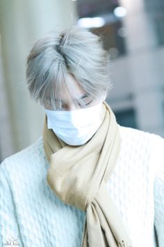 Kai - 161110 Incheon Airport, arrival from Nagoya Credit: Ballet King. (인천공항 입국)