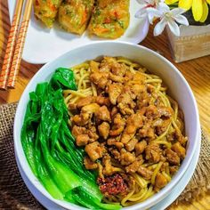 Mie telur, rebus hingga matang A. Food Background Wallpapers, Food Backgrounds, Cook Pad, Asian Recipes, Ethnic Recipes, Western Food, Indonesian Food, Indonesian Recipes, Honey Garlic Chicken