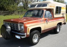 Check it out! A 1977 Chevy Blazer Chalet Cabover Camper, Pickup Camper, Small Trucks, Gm Trucks, Cool Rvs, Off Road Camper, Vintage Rv, Cool Campers, Truck Camping
