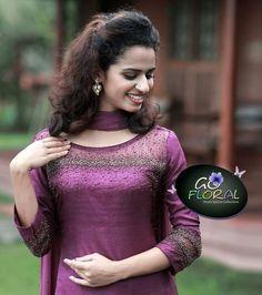 Hand Embroidery Dress, Embroidery Fashion, Anarkali Kurti, Saree, Chudidhar Designs, Princess Dress Patterns, Salwar Pattern, Ikkat Dresses, Party Wear Indian Dresses