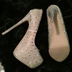 gold spiked louboutin heels christian louboutin size 8