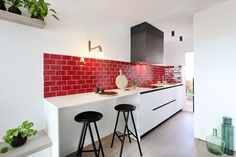 Dröm Living: Especialistas en reformas integrales e Interiorismo en Barcelona Table, Furniture, Home Decor, Renovation, Cuisine Design, Interiors, Interior Design, Home Interior Design, Desk