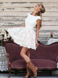 A-Line/Princess Scoop Sleeveless Applique Short/Mini Lace Dresses