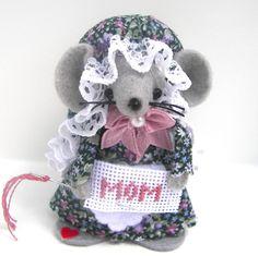Marion Mouse  $15.00 https://www.thecraftstar.com/shopdetails/996/warmth/ #thecraftstar #mouse #marion #miniature #needlepoint #mom #handmade #heart #love #mothersday #felt