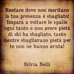 Frasi Belle Aforismi e Citazioni per Whatsapp - ProverbiBelli.it Wall Quotes, Love Quotes, Love Of My Life, My Love, Italian Quotes, Cool Words, Quotations, Tattoo Quotes, Wisdom