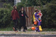 My Angel on Halloween. Dakota Johnson Out trick or treating with Dana's family in Studio City (Oct 31 st,2017) Cr. @AdoringDJ Twitter