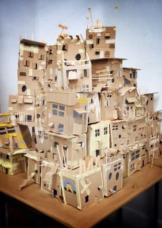Favela Cardboard City, Cardboard Sculpture, Cardboard Crafts, Cardboard Houses, Karton Design, Paper Houses, Slums, Miniature Houses, Art Plastique