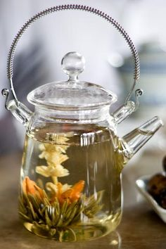 beautiful pot.......Flowering teas!