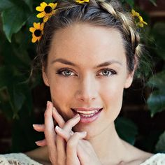 Rachel Skarsten on landing one of the supporting roles in the upcoming Fifty Shades of Grey - Do - November 2014 - Toronto Famous Celebrities, Celebs, Celina Sinden, Pretty People, Beautiful People, Caitlin Stasey, Anna Silk, Lovely Smile, Canadian Actresses