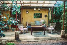 Mellby Klockargård på Österlen Outdoor Spaces, Outdoor Living, Outdoor Decor, Decorating Blogs, Elle Decor, Colorful Decor, Outdoor Gardens, Pergola, Home And Garden