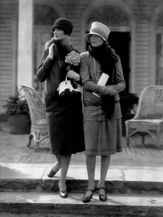 Model at left in a wool suit by Edward Molyneux; the one at right in a two-piece dress by Drecoll, 1926, photo by Edward Steichen