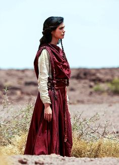 yeahcostumedramas:  Morena Baccarin in 'The Red Tent' (2014).
