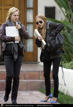 Mary-Kate Olsen wearing Thomas Wylde Oxford Circus bag, Ray-Ban 3026 Aviator Sunglasses, visits a fabric store march 9th 2006