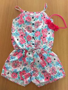 {Typical and customized kid dress, offers the best solution. Frocks For Girls, Little Girl Outfits, Kids Outfits Girls, Little Girl Dresses, Baby Dress Design, Baby Girl Dress Patterns, Frock Design, Baby Frocks Designs, Kids Frocks Design