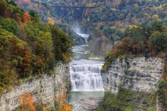 Middle Falls At Letchworth State Park. The Middle Falls At Letchworth State Park , Letchworth State Park, Air Balloon Rides, Hot Air Balloon, Air Ballon, State Parks, Places To Travel, Places To See, Voyage Usa, Voyager Loin