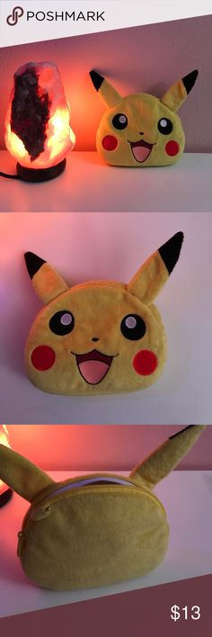 PIKACHU MAKE UP BAG OR POUCH💫🍬💙 collectible pikachu pouch that you could use to put a GameCube controller inside, make up, Nintendo DS, or whatever you want! Nintendo Accessories