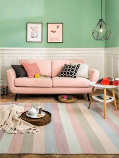 Cute Living Room, Colourful Living Room, Room Interior Design, Interior Design Inspiration, Rosa Couch, Outdoor Sofa, Living Room Designs, Sweet Home, Room Decor