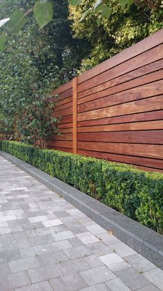 27 Super Cool Backyard Garden Ideas modern fence styles full image for contemporary garden fence designs hardwood fence modern fence backyard gardens and modern metal fence ideas Cheap Privacy Fence, Privacy Fence Designs, Backyard Privacy, Backyard Fences, Garden Fencing, Backyard Landscaping, Landscaping Ideas, Modern Backyard, Pool Fence