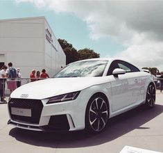 How would your perfect #newTTRS look like? White & black #Audi #TTRS at #Goodwood #fos |||| : @mattcollett |||| #audidriven - a 'state of mind' oooo #AudiTTRS #quattro #5cylinder #quattroGmbH #AudiSport #Audicolor #whiteTTRS #whiteAudi #newtt #AudiSportcars #auditt #audifos
