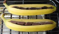 Schokobananen vom Grill – schmeckt besonders lecker anstatt Schoki mit Zimtzucke… Chocolate bananas from the grill – tastes particularly delicious instead of Schoki with cinnamon sugar ! Barbecue Recipes, Grilling Recipes, Cooking Recipes, Cinnamon Recipes, Banana Recipes, Easy Cooking, Healthy Cooking, Grill Dessert, Smores Dessert