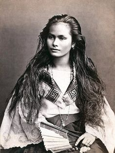"""A mestiza de sangley in a photograph by Francisco Van Camp, c. """"Mestiza de Sangley"""", was the Spanish colonists term for """"mixed Chinese & Indigenous Filipino"""" if referring to a mixed-race person of sangley <Chinese>and indio <local> mix Native American Beauty, Native American History, Native American Indians, Native American Photos, Foto Portrait, Portrait Shots, Portrait Photography, Beauty Portrait, Beautiful People"""