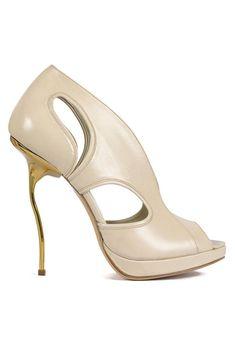 Selfridges Buys Kerrie Luft Shoe Collection - Fashion Fringe Winner (Vogue.com UK)