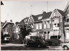 Veerallee 22 tm 25 huizenrij eindigend bij het Kamperlijntje, spoorlijn Zwolle - Kampen.