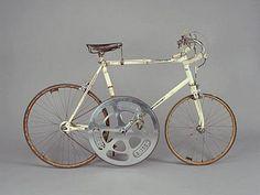 This bizarre-looking bike went 127 miles per hour