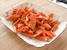 Carrots with Vinaigrette Enjoy this side dish of sweet roasted carrots in a tangy vinaigrette.Enjoy this side dish of sweet roasted carrots in a tangy vinaigrette. Side Dish Recipes, Vegetable Recipes, Vegetarian Recipes, Cooking Recipes, Healthy Recipes, Top Recipes, Pizza Recipes, Vegetable Sides, Vegetable Side Dishes