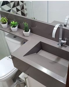 Fernanda Oliveira (@fernandaoliveirainteriores) • Fotos e vídeos do Instagram Bathroom Design Luxury, Bathroom Layout, Modern Bathroom Design, Small Bathroom, Toilette Design, Washbasin Design, Concrete Bathroom, Home Room Design, Home Decor Kitchen