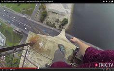 Joven salta desde un edificio de 115 metros y mira para qué