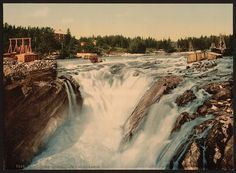 [Hofsfossen with Honefos (i.e., Hønefoss), Ringerike, Norway]      Repository: Library of Congress Prints and Photographs Division Washington, D.C. 20540 USA http://hdl.loc.gov/loc.pnp/pp.print