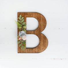 Our wood letters embellished with felt succulents are absolutely stunning! You will love the beautiful addition they are to any room or special occasion. { SIZE } The size featured in this listing is 8 INCHES (height) Letters are inch thick. Flower Letters, Diy Letters, Wood Letters, Felt Diy, Felt Crafts, Diy And Crafts, Arts And Crafts, Felt Flowers, Fabric Flowers
