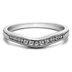 Sterling Silver Classic Style Gently Contoured Wedding Band mounted with Cubic Zirconia (0.33 Cts. twt) (Sterling Silver ) Women's