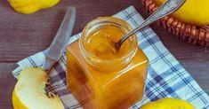 """Aus dem portugiesischen Wort """"marmelo"""" für Quitte entwickelte sich unser Wort für """"Marmelade"""". Marmelos gelieren sehr gut, deshalb kommt das Rezept oh... Prep & Cook, Muffins, Food And Drink, Snacks, Drinks, Cooking, Pesto, Smoothie, Desserts"""
