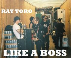 Ray Toro XD Avenged Sevenfold with My Chemical Romance Mcr Memes, Band Memes, My Chemical Romance, Emo Bands, Music Bands, Ray Toro, Mikey Way, Black Parade, Frank Iero