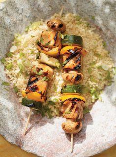 Sesame and Honey Marinated Tofu Skewers Recipes Raw Food Recipes, Veggie Recipes, Vegetarian Recipes, Cooking Recipes, Healthy Recipes, Vegan Barbecue, Bbq Tofu, Grilled Tofu, Marinated Tofu