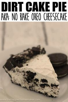 This OREO Dirt Cake Pie is so delicious and easy to make! I love that it's n… Diese OREO Dirt Cake Pie ist so lecker und einfach zuzubereiten! Oreo Pie Recipes, Dirt Cake Recipes, Oreo Desserts, Delicious Desserts, Dessert Recipes, Quick Dessert, Awesome Desserts, Holiday Desserts, Healthy Desserts