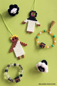 DIY Eid al Adha Jewelry by Hello Holy Days! Ramadan Crafts, Ramadan Decorations, Perler Bead Art, Perler Beads, Diy Eid Gifts, Eid Mubarak Images, Activities For Kids, Crafts For Kids, Eid Party