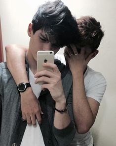 Goals Anime Amigos Hombres Goals Anime Amigos Hombres Goals Anime Amigos Hombres Delightful in order to the website, on this time period I Boy Tumblr, Tumblr Gay, Hipster Grunge, Bff Goals, Couple Goals, Senior Pics, Cute Gay Couples, Poses For Men, Angeles