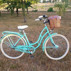 Perfecta para dar un paseo por la mañana! Bicicleta Envy turquesa  os espera en nuestra tienda #FavotiteBike  Todos los colores del modelo ENVY puedes verlo aquí http://favoritebike.com/?s=ENVY