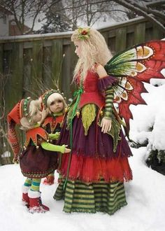 Doll outfits made by Martha Boers http://www.antiquelilac.com/  rikkugoshujin:      Merry Yule!!