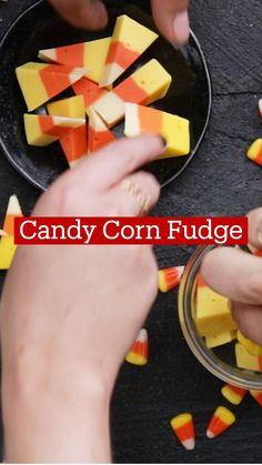 Fun Baking Recipes, Fudge Recipes, Sweets Recipes, Fall Recipes, Cooking Recipes, Holiday Desserts, Fun Desserts, Delicious Desserts, Yummy Snacks
