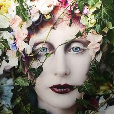 74 photographs, 5 years in the making, the 'Wonderland' series is a deeply emotional collection of works entirely handmade by British fine art photographer Kirsty Mitchell. Spring Photography, Vintage Photography, Portrait Photography, Photography Flowers, Kirsty Mitchell Wonderland, Girl Pictures, Girl Photos, Flower Garden Plans, Fantasy Portraits