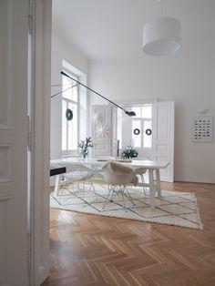 FROHE WEIHNACHTEN! - traumzuhause Shop Interiors, Office Interiors, Modern Interiors, Home Office Design, House Design, Room Carpet, Minimalist Living, Home Office Furniture, Home Decor Bedroom
